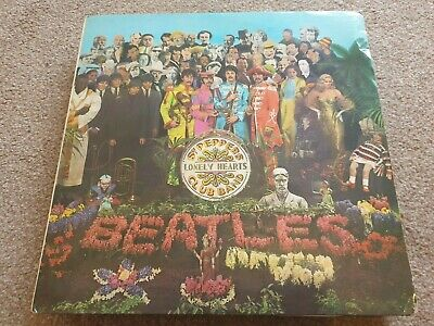 THE BEATLES Sgt Peppers lonely hearts club band Parlophone PMC 7027 + red inner