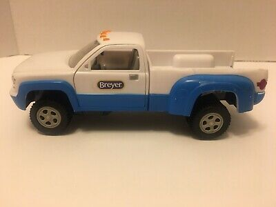 Breyer Stablemates Dually Pick Up Truck 5349