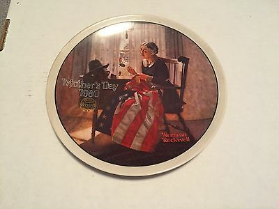 "1980 NORMAN ROCKWELL MOTHERS DAY PLATE ""MOTHER'S PRIDE"""