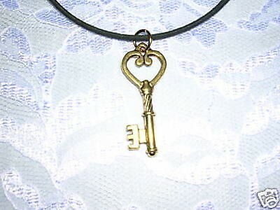 New Detailed Skeleton Key Golden Color Heart Topper Key Pendant Adj Necklace