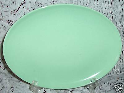TAYLOR SMITH TAYLOR PEBBLEFORD MINT GREEN SERVING PLATTER OVAL
