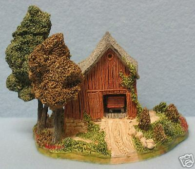"Lilliput Lane ""countryside Barn"" Retired 1992"
