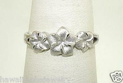 7mm-5mm Graduated Hawaiian 14k White Gold Sparkly DC Plumeria Flowers Ring 5.0