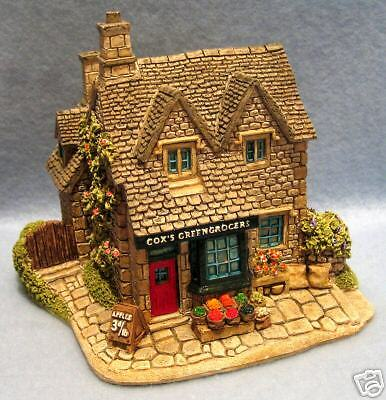 """Lilliput Lane """"the Greengrocers"""" Retired 1998"""