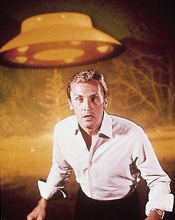 """THE INVADERS TV Script Roy Thinnes """"The Experiment"""""""