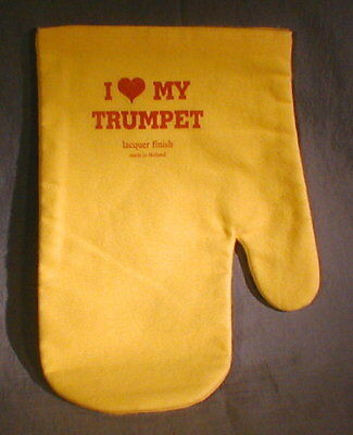 I LOVE MY TRUMPET treated Lacquer Polish Mitt w/liner