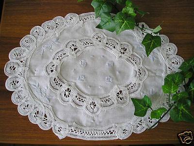 Dainty Batten Lace Hand Embroidery Doily Oval 24x32cm