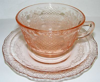 Federal Normandie Bouquet & Lattice Pink Cup & Saucer