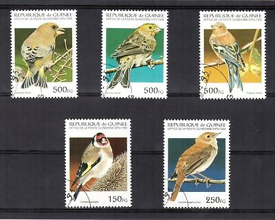 1746+  Guinee   Serie Timbres  Oiseaux