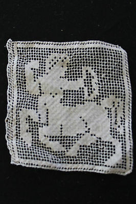 VINTAGE EARLY 20TH C HAND MADE LACE PIECE