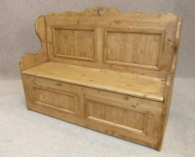 Handmade Solid Pine Settle 4Ft Wide With Heart Design