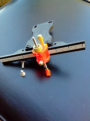 ARCHERY BOW SIGHT, BLACK COMPOSITION PLASTIC ADJUSTABLE. double lock.with screws