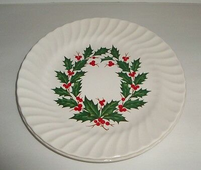 4 Red Green Holly & Berries Ring Swirl Edge Dinner Plates
