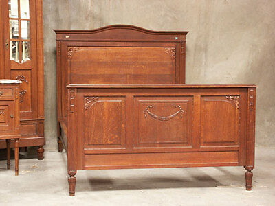 11-2 : French Oak Louis Xvi Style Antique Bed