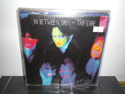 """THE CURE In between days/The exploiding boy 7"""" EX-/EX+  FRA"""