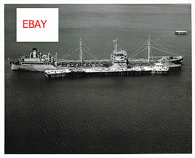 1956 OFFICIAL US NAVY 8X10 VINTAGE PHOTO AERIAL VIEW OFFSHORE REFUELING LOOK