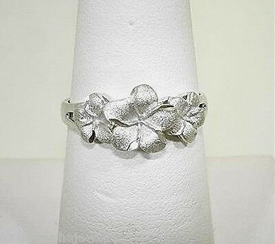 8.5-6.5mm Graduated Hawaiian 14k White Gold DC Matted 3 Plumeria Flower Ring