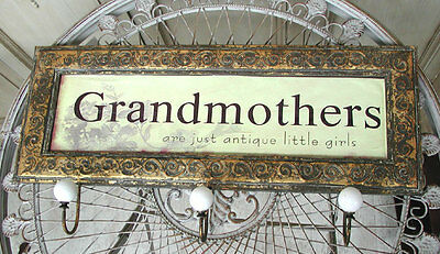 Grandmothers = antique little girls Garderobe 0954693-Ga