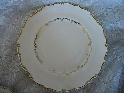 ROYAL DOULTON Richelieu H4957 English Bone China Dinner Plate - Made in England