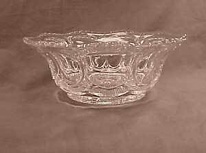 Galloway aka Woodrow or Virginia Early American Pattern Glass Berry Bowl