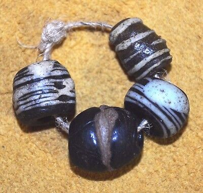Ancient Wound Islamic Black & White Glass Beads Found In Mali African Trade