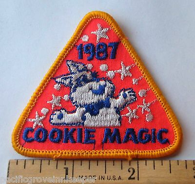 Vintage Girl Scout 1987 COOKIE SALE PATCH Cookie Magic Juggling Rabbit NEW