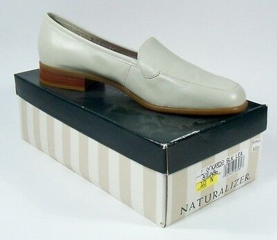 New Vintage Naturalizer Beige Loafers Womens Size 10