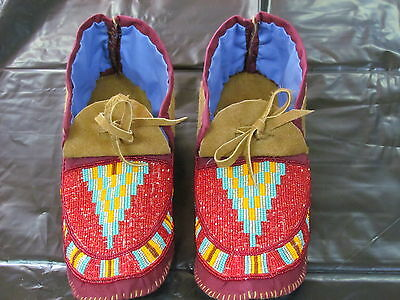 Native American Full Bead Moccassin Great Combination Of Colors 10&1/2 Inches