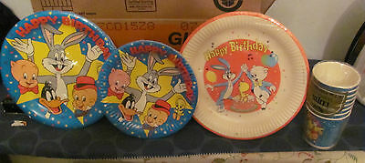 Looney Tunes sealed set of plates and cups early 80s
