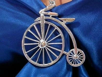 Neat-O Vintage 1980's-90's Silver Tone Old Fashion Bicycle Necklace   2008ap