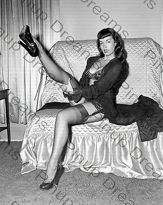 """Vintage 10"""" x 8"""" Photograph of 1950s Pin-up Glamour Queen Bettie Page re-print"""