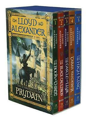 The Chronicles of Prydain by Lloyd Alexander Boxed Set Book (English)