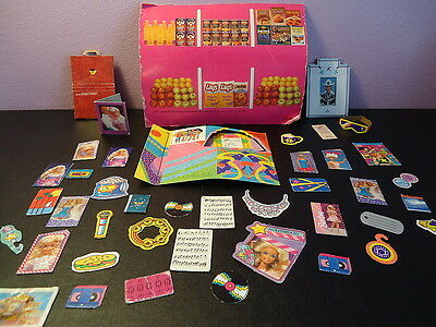 BARBIE  LOT of 30+ CARDBOARD ACCESSORIES  Mattel PLAYSETS original doll house