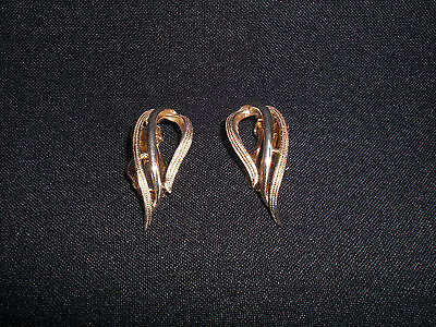 ~ Sarah Coventry Gold Tone Vintage Clip Earrings ~