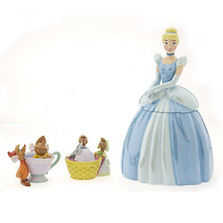 Disney  Cinderella Cookie Jar and Salt Pepper Shakers Limited Edition MIB