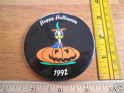 Disney Store Happy Halloween Donald Duck Employees only button 1992 Pumpkin