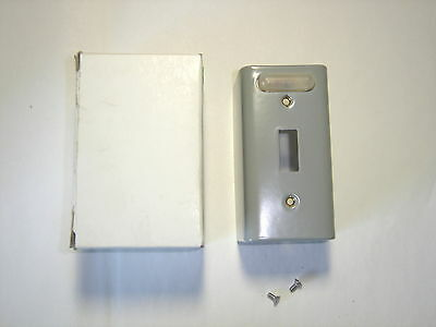 General Electric Cr101X4 Surface Mount Cover 115/230V Indicate Light Nib