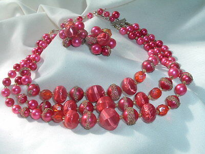 Vintage Magenta Celluloid Pearl Necklace And Clip Earrings Set In Gift Box