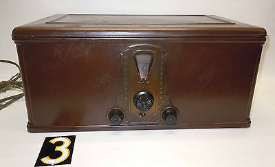 Vtg. Stewart Warner Radio 900 Series,w/Metal Wood Grain Cabinet