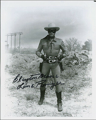 "10""x8"" PHOTO PRINTED AUTOGRAPH - CLAYTON MOORE b"