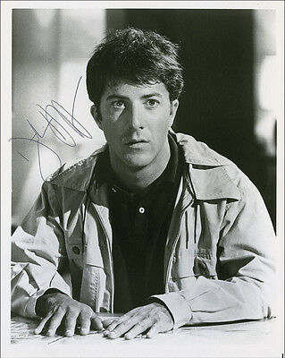 "10""x8"" PHOTO PRINTED AUTOGRAPH - DUSTIN HOFFMAN a"