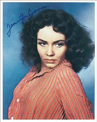 "10""x8"" PHOTO PRINTED AUTOGRAPH - JENNIFER JONES"