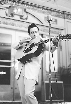 Johnny Cash 8X10 Glossy Photo Picture Image #3