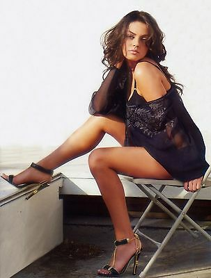 Mila Kunis 8X10 Glossy Photo Picture Image #4
