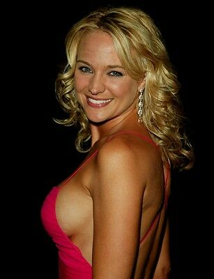 Sharon Case - Y&r 8X10 Glossy Photo Picture Image #2