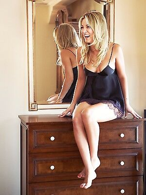 Kaley Cuoco 8X10 Glossy Photo Picture Image #7
