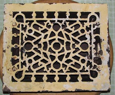 "Antique M.M. & E.Co. Milwaukee 8"" x 10"" Cast Iron Floor Grate"