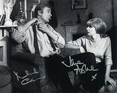 """10""""x8"""" PHOTO PRINTED AUTOGRAPH - MICHAEL CAINE & JANE ASHER"""