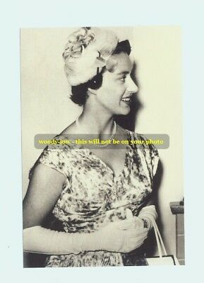 mm117 - a younger  Princess Margaret - photo 6x4