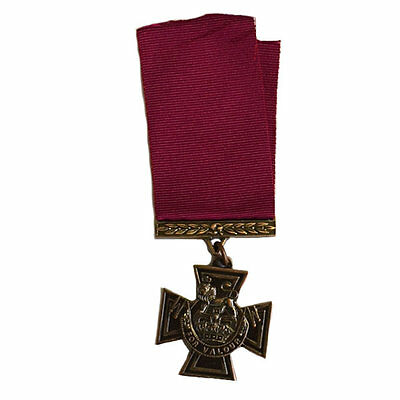 CANADIAN VICTORIA CROSS WW11 Canadian/British Reproduction (I-402)